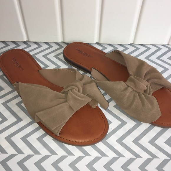 cb59084d0 American Eagle Outfitters Shoes - American Eagle oversized bow slide sandal